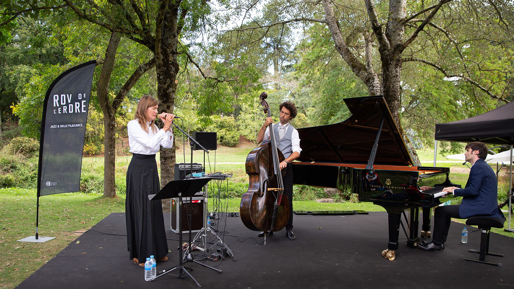 Paul Lay trio au Parc Floral (Photo JC Guary)